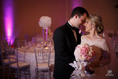 Wedding Photographer in Puerto Rico at Hotel Marriot Courtyard Isla Verde
